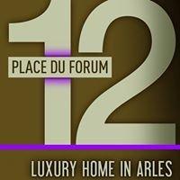 12 Place du Forum
