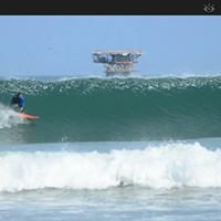 Aitama Lobitos Surf Camp