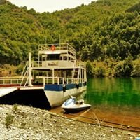 Rozafa Ferry & Accommodation