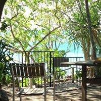 Foxys Bar Fitzroy Island Resort
