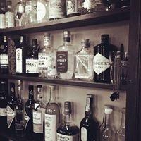 VIKTOR Café & Bar