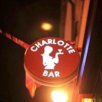 Charlotte bar Bastille
