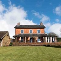 Mid Wales Breaks B&B plus Self Catering