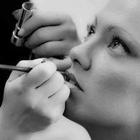 Ana Marlo Make Up