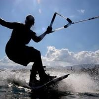 Wakeboard, Wakeskate a vodní lyžování