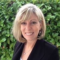 "Denise ""Dee"" Tholl Real Estate Broker"