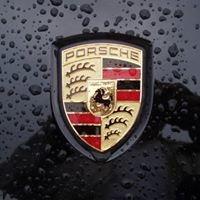 • Porsche & Ferrari •