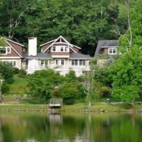 Arbor House of Black Mountain Bed and Breakfast