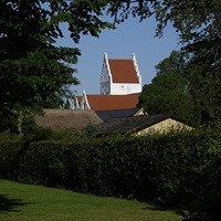 Haarby Kirke og kirkegård