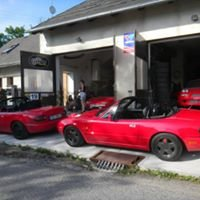 Guru Racing home garage