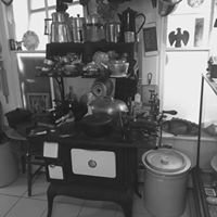 Lily Bay Antiques & Vintage Collectables