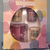 Cwtch Yankee Candles Cards & Gifts