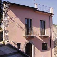 Casa Rosa, Bugnara, Abruzzo, Italy