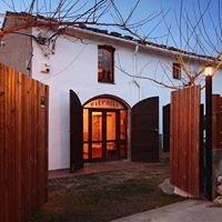 """Casa rural cervecera """" Les Canyes """""""