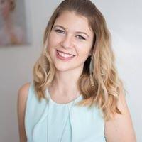 Cassie Ernst - Hair &-Makeup Artist / Brautstyling in Dachau & München