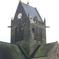Place de l'église de Ste Mère l'Eglise