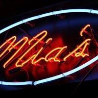 Mia's Bar