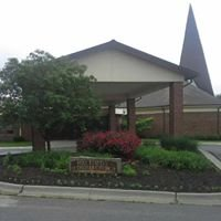 Holy Trinity Lutheran Church - Grandview, MO