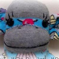 Just Monkey and Me : Handmade Sock Monkeys
