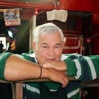 FAT JACKS Oyster Sports Bar & Grill