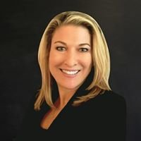 Courtney Lipson Paxson Scottsdale Realtor with Budwig Team/Realty ONE Group