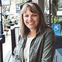 Donna Elliott,  Realtor
