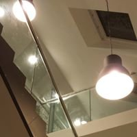 Glas im Raum