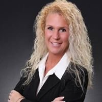 Mariellen Owens with HomeLand Florida Realty