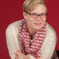 Marnie Zoa, Principal Broker