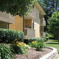Forest View Apartments - St. Louis