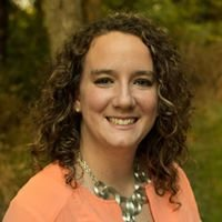 Kirsten Turnbow - ReeceNichols Real Estate Agent/ Realtor