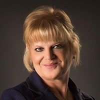 Lisa Goldberg, Max Broock Realtor