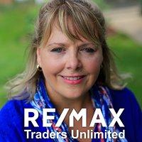 Lisa Fink, Broker, Re/Max Traders Unlimited Peoria, IL