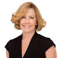 Heidi Hurst Real Estate Professional- Your Luxury View Home Specialist