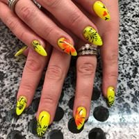 Cashmere Creative Nails
