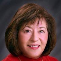 Vicky Speno Licensed Real Estate Salesperson at HUNT Real Estate ERA