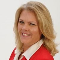 Rebecca Hoyt Sells Homes