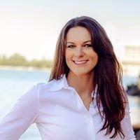 Melissa Hjeltness, Realtor, Coldwell Banker Schneidmiller Realty