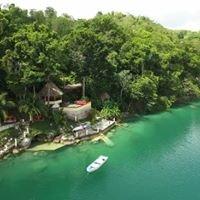 Gucumatz Lakeside Inn Tikal