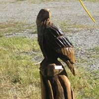 Woodchuck chainsaw carving