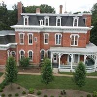 Heritage House Suites