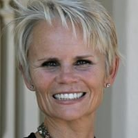 Lisa Adams - Realty One Group, Inc.