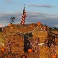 Haymazing-Straw Maze 1 Peninger Rd, Central Point, OR, 97502