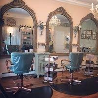 Alexandra's Salon
