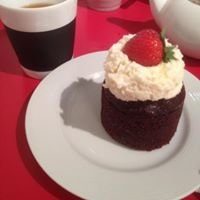 Red Velvet Café - Fashion Show Mall