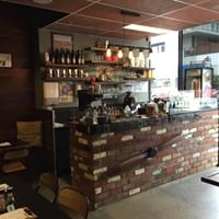 Hangar1one2 cafe shop 5 112-114 Pier St Altona