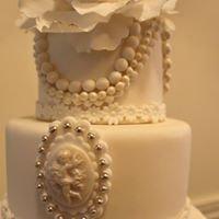 Fanora's Cakes & Cookies