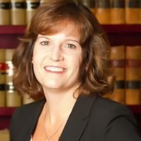 Cynthia Irvine - Immigration Attorney/Abogada de Inmigracion