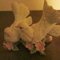 Shirley's Antiques / Collectibles