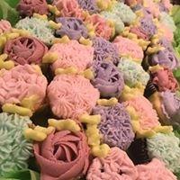 Amelia's Cakes & Flowers